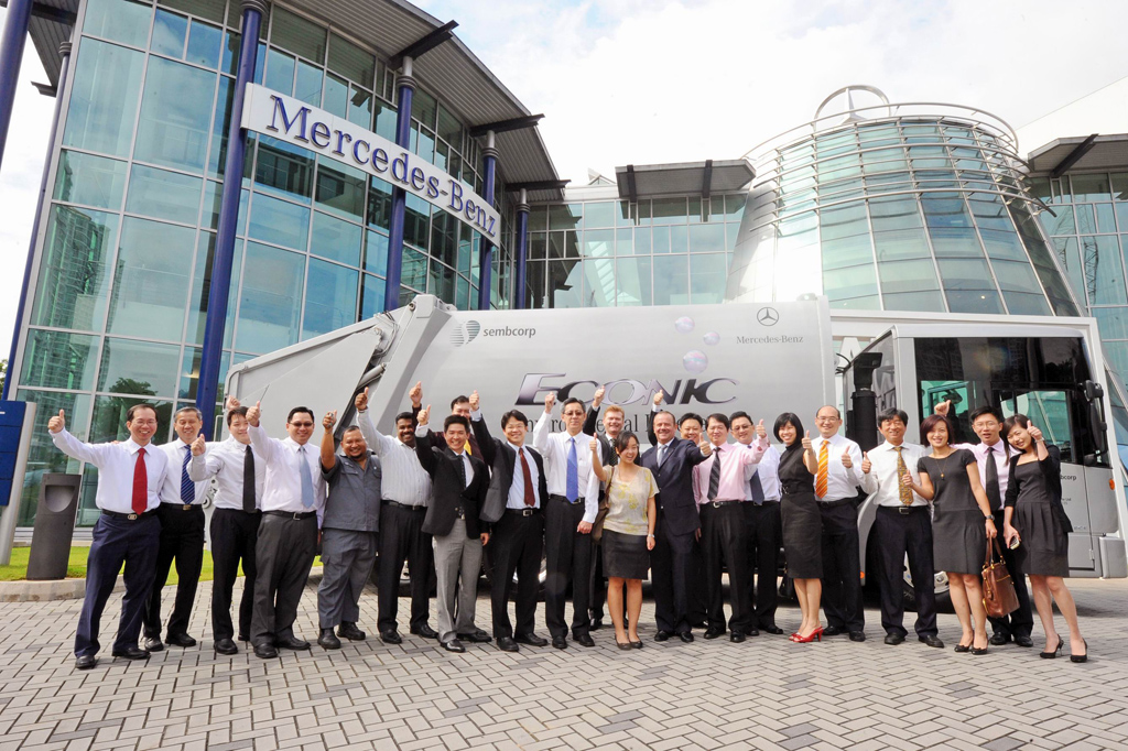 Der umweltfreundliche mercedes benz econic ngt mit for Mercedes benz of valencia general manager